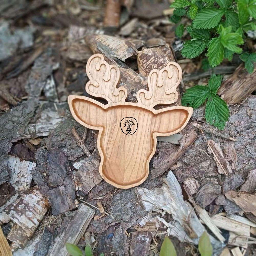 Král lesa - jelen (střední)